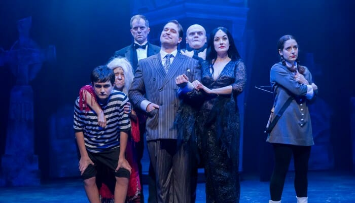 The-Addams-Family-Mercury-Theater-Chicago-700x400