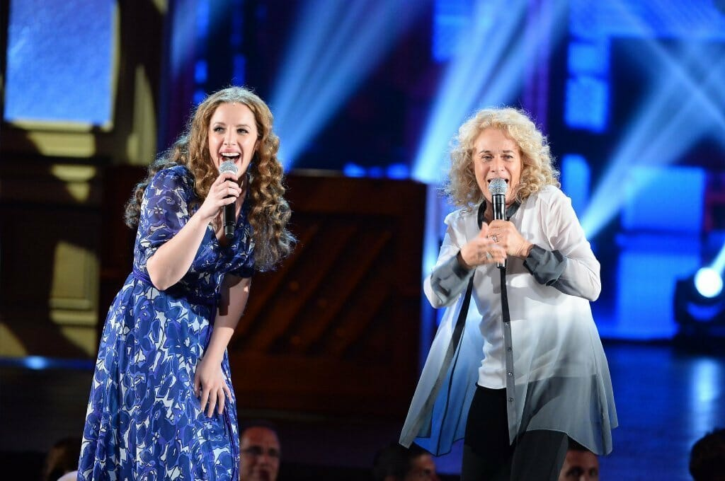 la-et-cm-tony-awards-carole-king-jessie-mueller-20140608