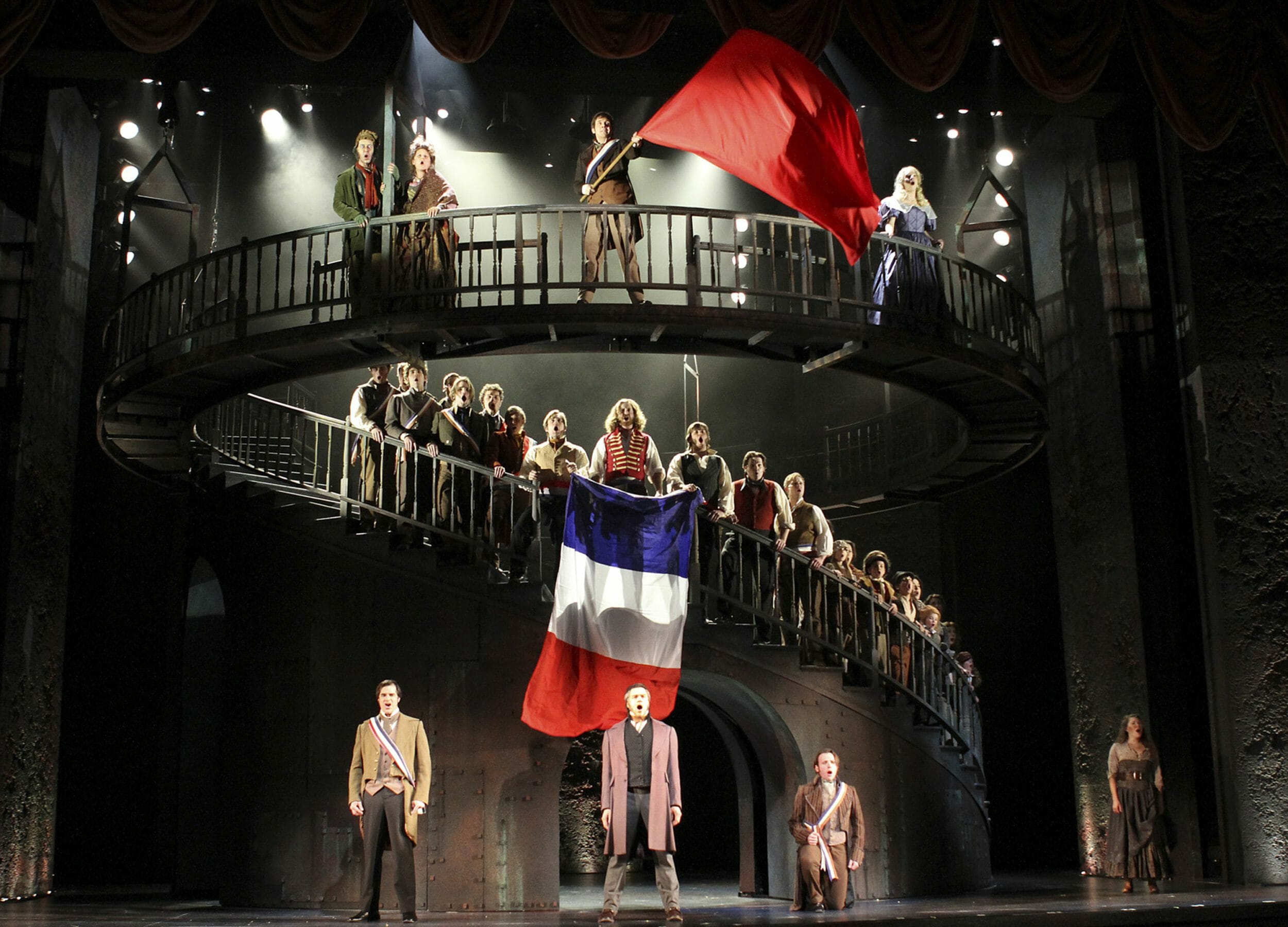 Paramount S Massive Les Mis Is A Revolutionary Sight