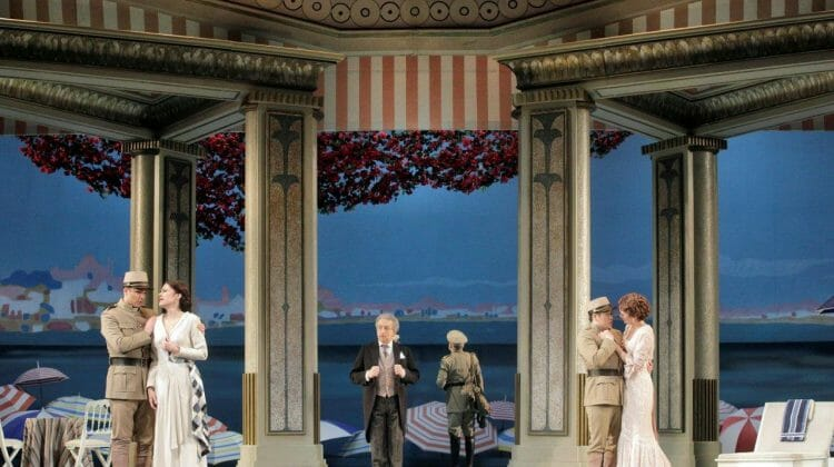 Lyric Opera's 'Cosi Fan Tutte' is a superbly sung cautionary tale