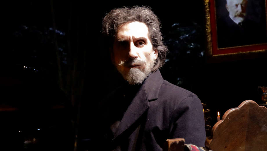 Accomplished composer/playwright Hershey Felder opens up to ChicagolandMusicalTheatre while restaging 'Our Great Tchaikovsky' at Steppenwolf through May 13